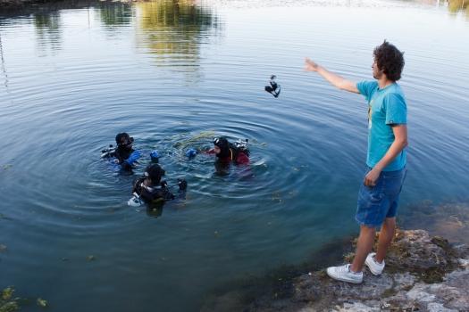 Все как у зверей в Хорватии - Табор уходит в воду